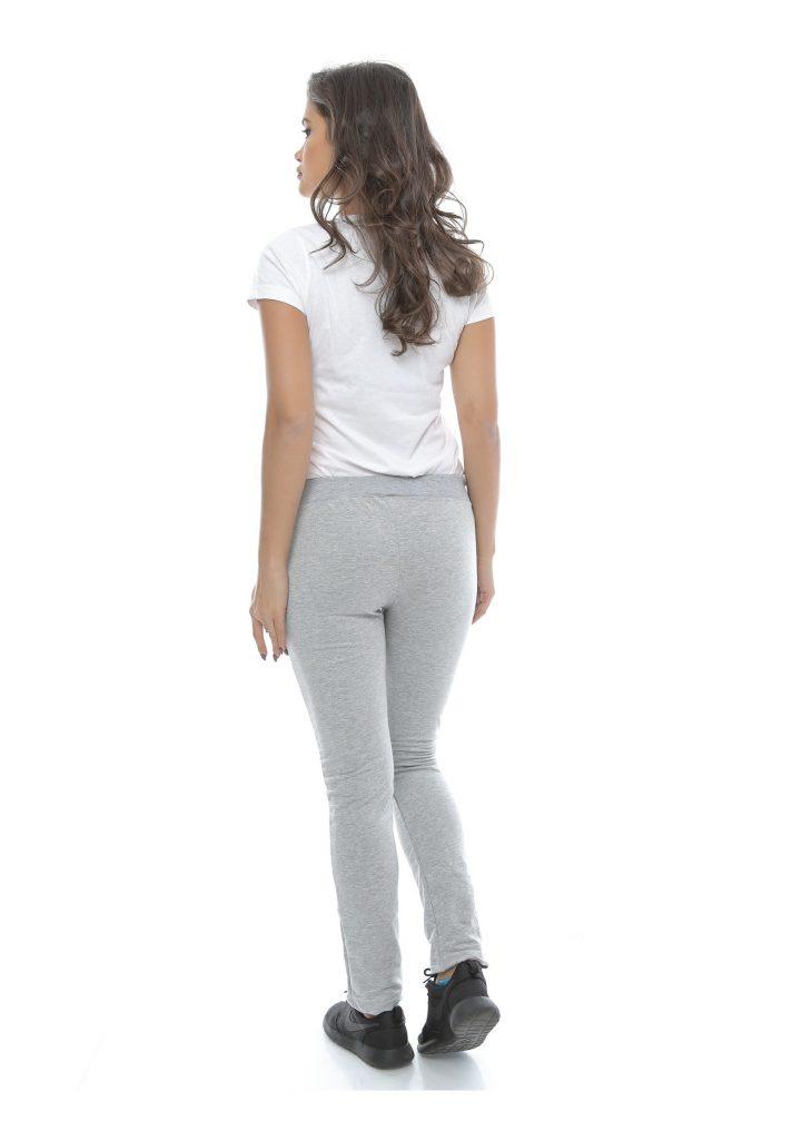 Pantaloni sport model nou