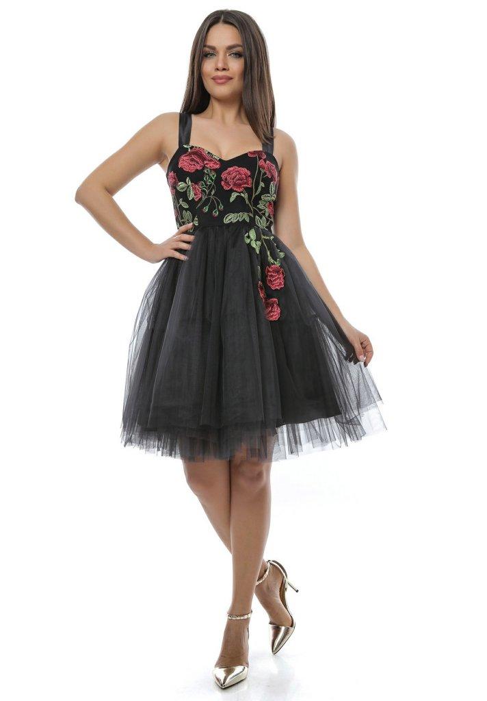 Rochie eleganta pentru ocazii din tull brodat