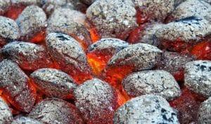 brichete de foc carbune ou